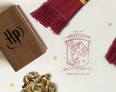 Official harry potter personalised wooden text stamp with stamp pad griffindor thumb