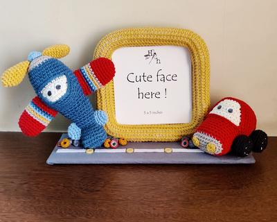 Vehicles crochet frame thumb