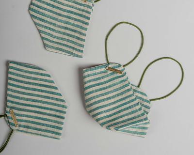 The handloom mask green stripe thumb