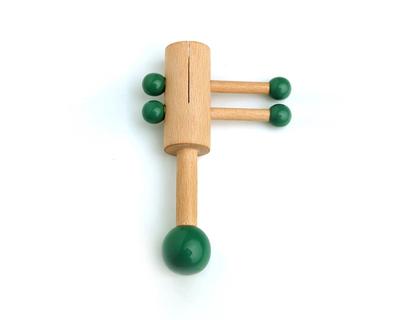 Wooden rattle piston thumb