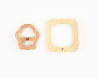 Wooden teethers cupcake and square thumb