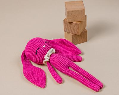 Hopper the bunny rumi crochet collection thumb