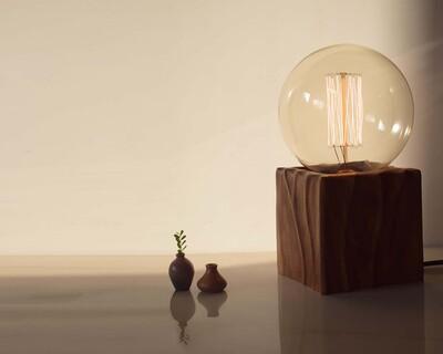 Form lamp thumb