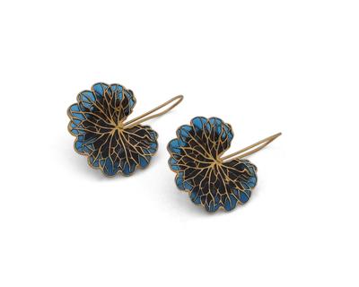 Leaf earrings black grey thumb