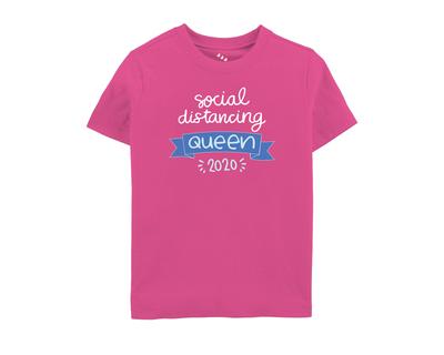 Social distancing queen 2020 tshirt pink thumb